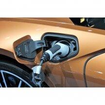 Kaip įkraunami elektromobiliai ir kokį atstumą jie nuvažiuoja?